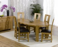 Hawarden Oval Dining Table with 6 Oak and Leather Chairs
